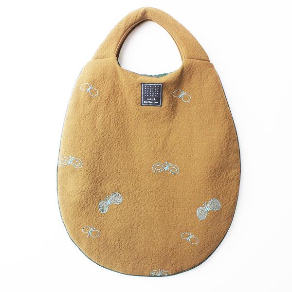 mina perhonen ミナペルホネン choucho 刺繍 エッグバッグ/キャメル 手提げ チョウチョ 楕円 eggbag【2400011505187】