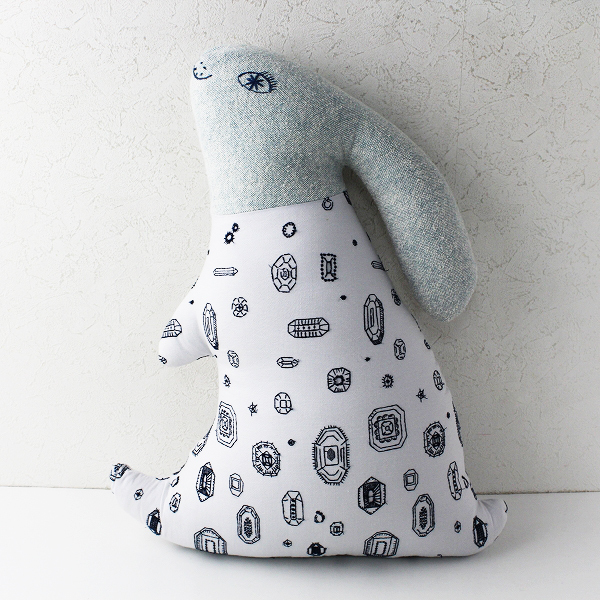 mina perhonen ミナペルホネン gemma 刺繍 ume ウサギ クッション/ホワイト インテリア【2400011829276】