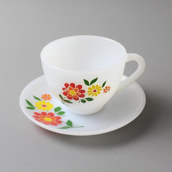 Arcopal アルコパル お花模様 カップ&ソーサー (B)/ミルクガラス ホワイト 食器 フランス製 ババリア柄【2400012182882】