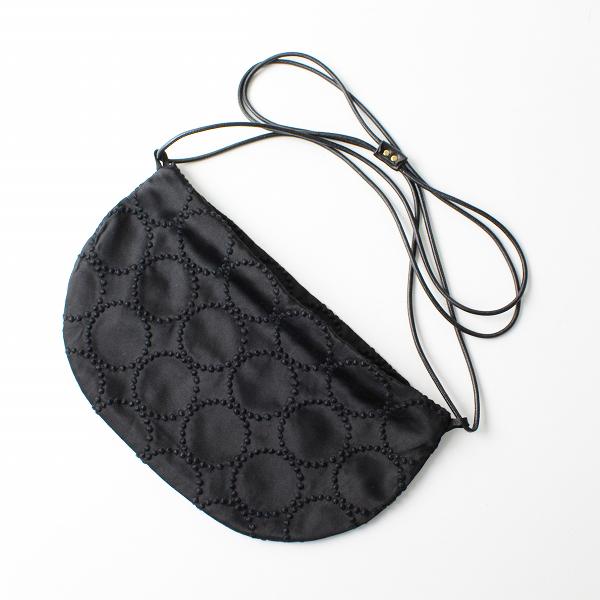 美品 2018SS mina perhonen ミナペルホネン tambourine coupe bag タンバリン刺繍 サテンクッペバッグ/ブラック【2400012321052】